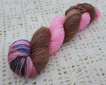 JUMPING IN MUDDY PUDDLES - 75% SW Merino, 25% Nylon - 4ply